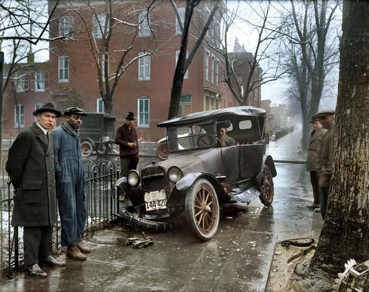 17 - Auto Wreck in Washington DC 1921